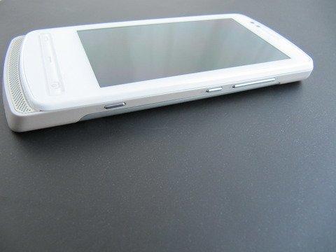 Nokia 700 поддерживает