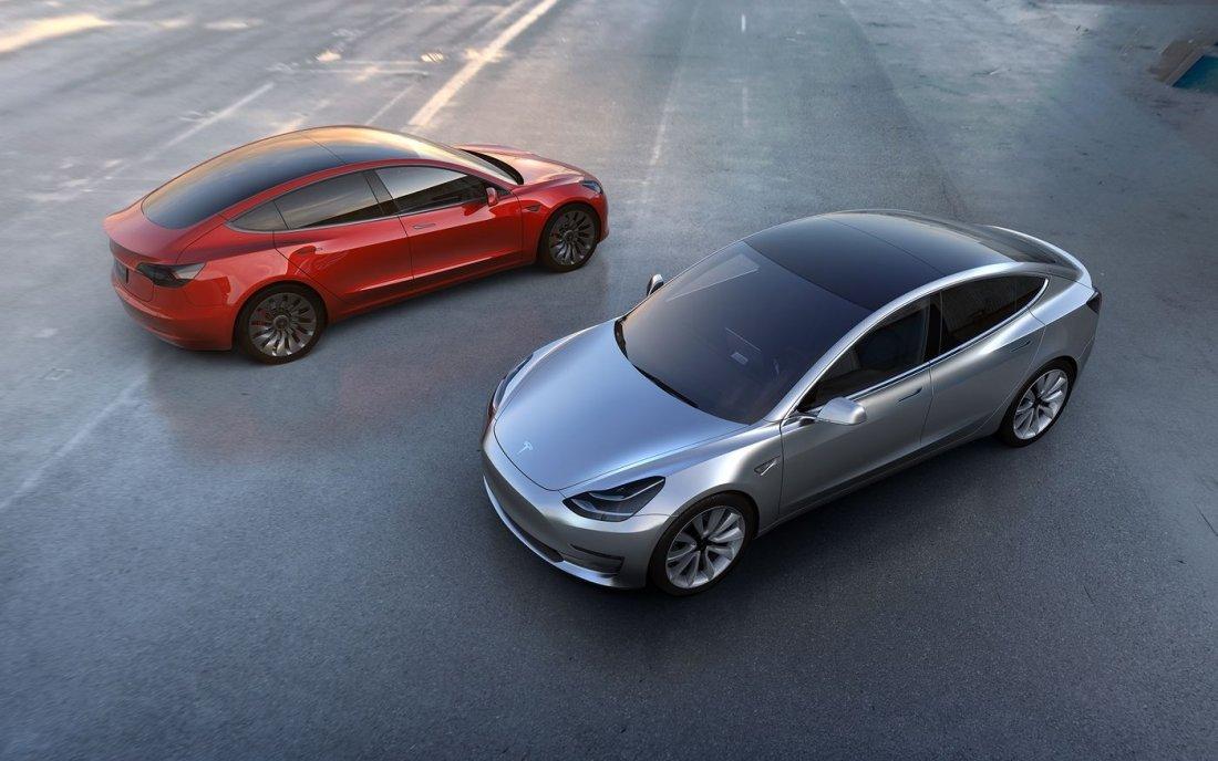 Tesla представит новое поколение электрокара Roadster