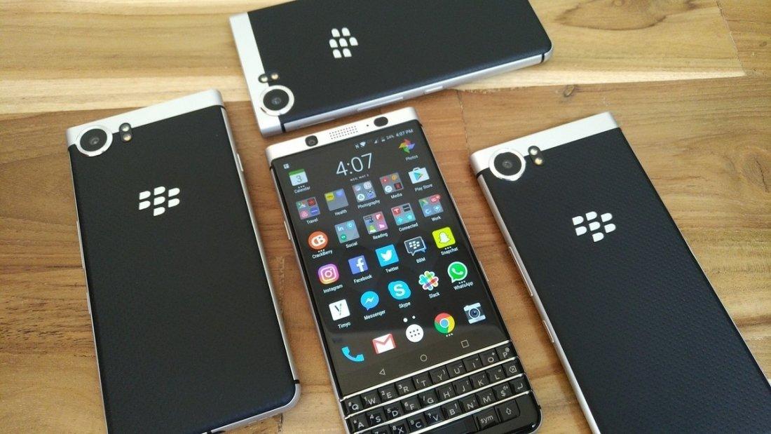 В Российской Федерации запустят продажи клавиатурного телефона BlackBerry KEYone